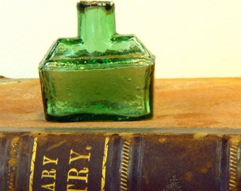 Antique Boat Green Glass Ink Bottle from 1800s