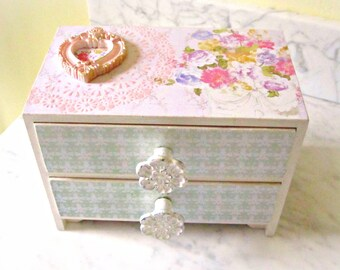 French Country Jewelry Box ~ Cottage Chic Decor ~ Shabby Chic Jewelry Box ~ Shabby Chic Decor