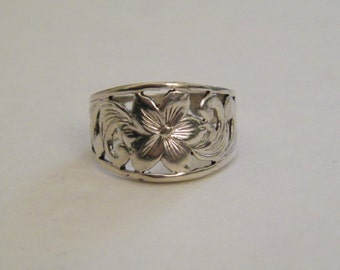 Sterling Silver 925 Hibiscus Floral Motif Statement Ring, Size 7.5