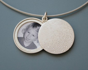 Modern Photo locket, mabotte locket, handmade locket, bubbles, diameter 26mm, silver locket for one picture