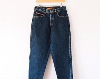 Vintage Wrangler Jeans >> Straight Leg High Rise Mid Blue Denim >> UK 10 / Euro 38 / US 6 / Waist 28 Leg 26