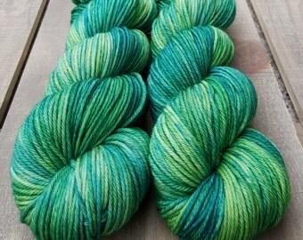 Ewetopia Worsted, Hand dyed yarn, Superwash Merino Wool, 218 yds/ 100g: Rainforest.