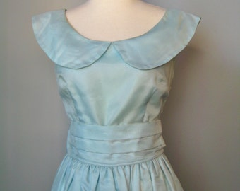 Blue Prom Dress / Vtg 50s / Tea length Ice Blue Organza prom dress with giant bow