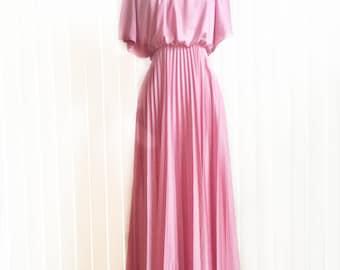 Vintage 70s rose ash cocktail dress/ accordion pleat 70s bridesmaid gown/ pastel pink cape style Grecian drape dress/ empire waist