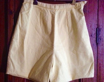 1960s White Stag Ladies 'Gidget' Shorts - S