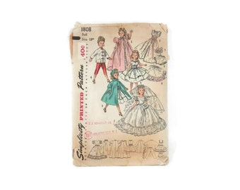 "Vintage Sewing Pattern for Doll Clothing Simplicity #1808 18"" Revlon & Cissy Dolls"
