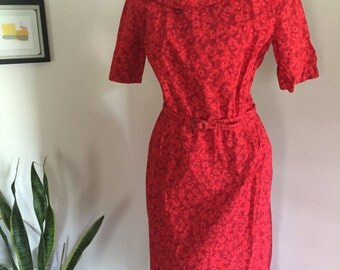 Vintage 60's Red Floral Print Bombshell Dress with Peter Pan Collar S M