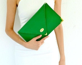 Green leather clutch / Handmade leather bag / Italian leather / Envelope clutch