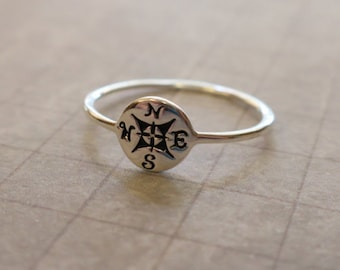 Dainty Vintage 925 Sterling Silver Compass Ring