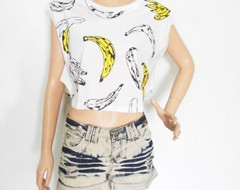 Banana Tshirt Banana Shirt Hipster Crop Top Blogger Tshirt Ctop Top Simple crop top screen print (Measurements - fits great from M - L)