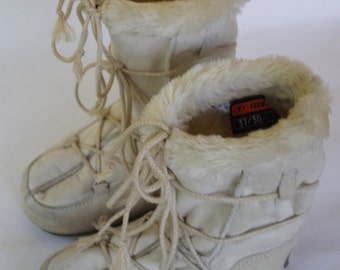 Sale! Vintage Original Moon Boots by Tecnica Off White Suede and Faux Fur Women's Size 7 USA 37-38 European