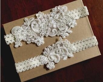 Ivory Lace Wedding Garter, Wedding Garter Belt, Ivory Beaded Lace Bridal Garter Set, Ivory Lace Bridal Garter Set