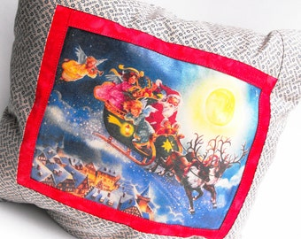 Here Comes Santa Claus Pillow - Blitzen Rudolph Reindeer Angels Trumpet Horn Saint Nick Sleigh Ride Red Home Decor Winter Holiday Decoration
