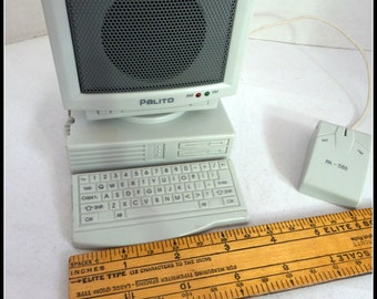 Minanature Radio Palito Vintage Computer Shape