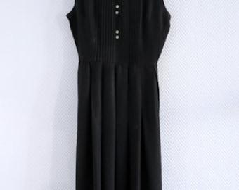 Black dress 50s 60s peter pan collar