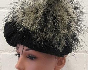 Black Vintage Hat with Fur Plume