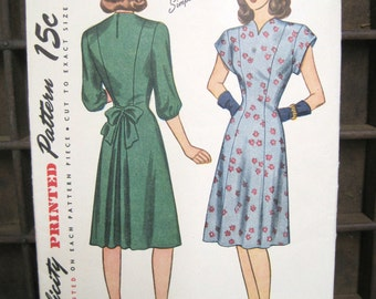 No. 1560 Simplicity Pattern Dress, Dress Pattern Size 12, Patterns for Sewing, 1940s Sewing Patterns, Retro Dress Patterns, Paper Ephemera