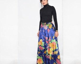 Vintage 70's Floral Velvet Maxi Skirt / High Waisted Maxi Velvet Skirt / Blue Floral Skirt - Size Medium