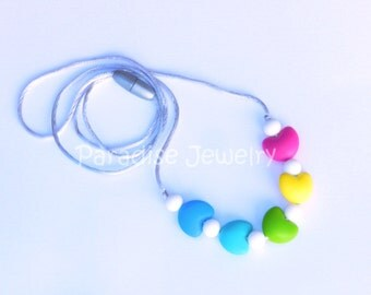 Baby Chew Beads Rainbow Heart Teething Nursing Necklace for Mommy and Baby Food-Grade Silicone Chew Beads, Valentine Gift