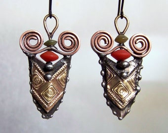 Vintage tin earrings *826