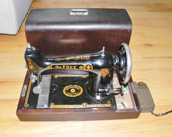 The Free Long Bobbin Sewing Machine Westinghouse Electric 1900's - With Wood Carrying Case - RARE