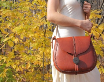 large HANDMADE LEATHER PURSE, hand sewn bag, leather bag, vegetable tanned, red, brown, cross body, under the tree, underthetree, ithaca
