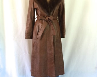 1970s Women's Leather Trench Coat Mink Fur Collar Sz. M