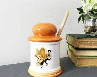 HONEY BEE <> HONEY Pot, Retro Vintage 70's Ceramic Honey pot, Honey bee decor, honey pot for use of decor, Farmhouse style