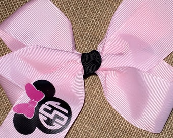 Minnie Bow with monogram in the minnie