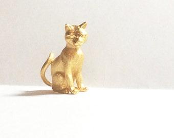 Vintage Crown Trifari Gold Tone Cat Brooch Feline Cat or Kitten Pin Vintage Brooch