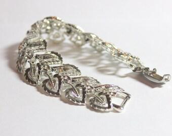 Vintage Coro Bracelet Silver Tone Leaf Coro Bracelet Multi Link Coro Collectible Jewelry Mid Century Jewelry
