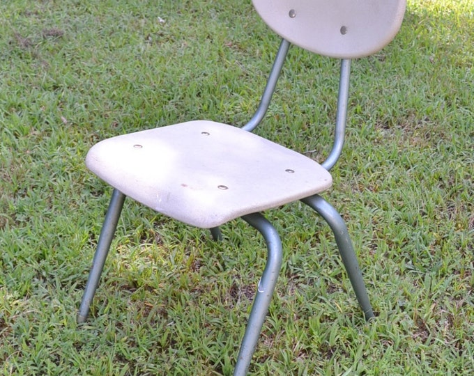 Vintage Childrens School Chair Desk Chair American Seating Plastic Gray Green Metal Legs Panchosporch