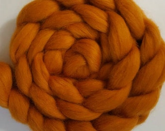 Corriedale Wool Roving (Sliver) in Amber - 2 oz