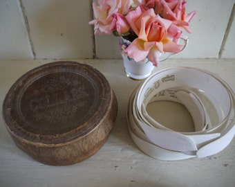 Vintage Collar Box with collars inside