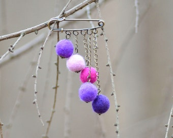 Retro felt brooch with vintage safety pin and playful balls - retro jewelry for women - stylish ball brooch - felted pin [B7]