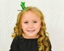 St. Patricks hair clip green top hat non slip grip alligator clip headband