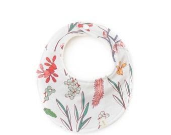 floral baby bib, girl baby bib, flowers bib, baby shower gift, girls bib, newborn baby bib