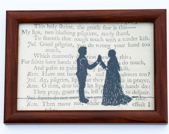 Classic Literature - Shakespeare's Romeo and Juliet Silhouette Framed Embroidery Illustration.