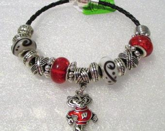 1045 - NEW - Wisconsin Bucky Badger Bracelet