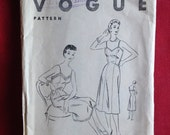 Vintage 1950s Vogue sewin...