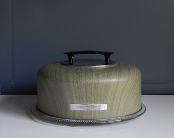 Vintage Cake Carrier/ Cake Plate with Cover/ Cake Dome/ Metal Cake Cover/ Green Wood Veneer Finish/ 1970s Metal Cake Cover/Travel Cake Cover
