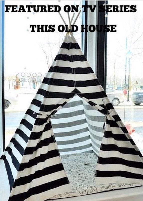 tente tipi avec p les noir et blanc rayures 4 panneaux. Black Bedroom Furniture Sets. Home Design Ideas