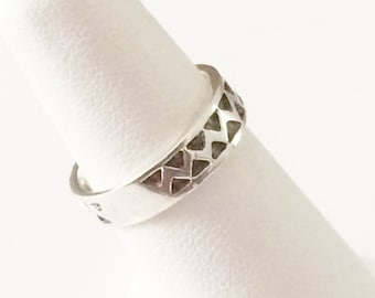 Size 5 Sterling Silver Textured Band Ring