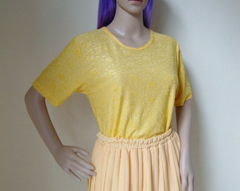 CUTE YELLOW TSHIRT -aesthetic, floral, relief, hippie, indie, boho, kawaii, summer, festival, shiny, short sleeve, 90s, cyber-