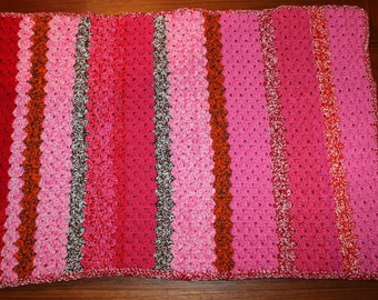 Wonderful vintage retro hand knitted Baby Blanket / Plaid / Throw with fantastic colors. Made in Sweden, Scandinavian