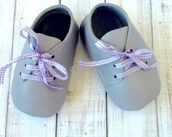 Soft leather handmade baby booties - Leather infant shoes - Handmade Leather crib shoes - Leather baby shoes