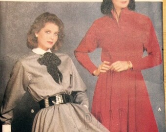 Butterick 6111 - 1980s Shirtwaist Dress with Pointed or Stand Up Collar - Size 6 8 10