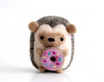 Needle Felt Hedgehog with Donut, Hedgehog Gifts, Felted Hedgehog Ornament, Hedgie, Hedgehog Plushie, Miniature Hedgehog Figurine, Art Toy
