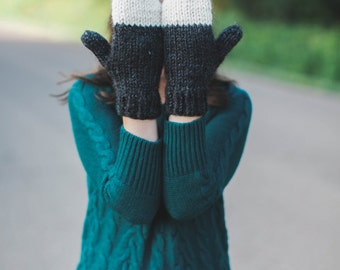 Women's Chunky Knit Mittens | THE CEDARS | Charcoal & Fisherman