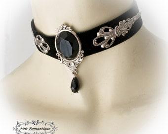 Black velvet victorian gothic choker with get black gem-Victorian gothic jewelry-Victorian gothic velvet choker-Choker